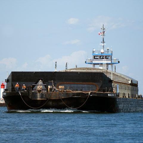 Image of Niagara Spirit, a barge in Mckeil's Transportation Fleet.
