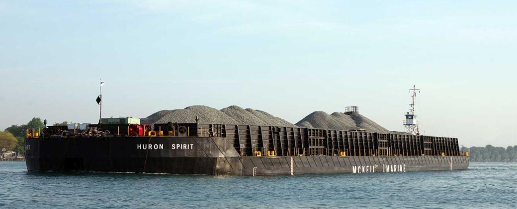 Image of Huron Spirit Barge carrying aggregates.
