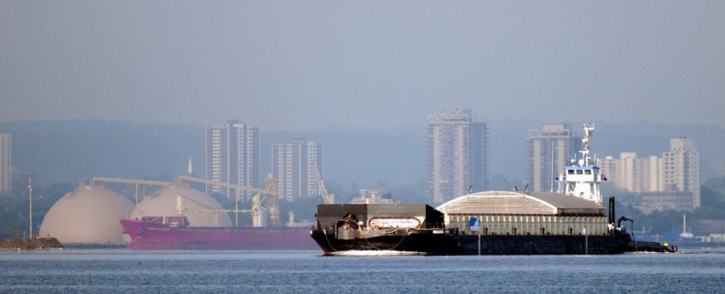 Image of Niagara Spirit Barge Mckeil Marine